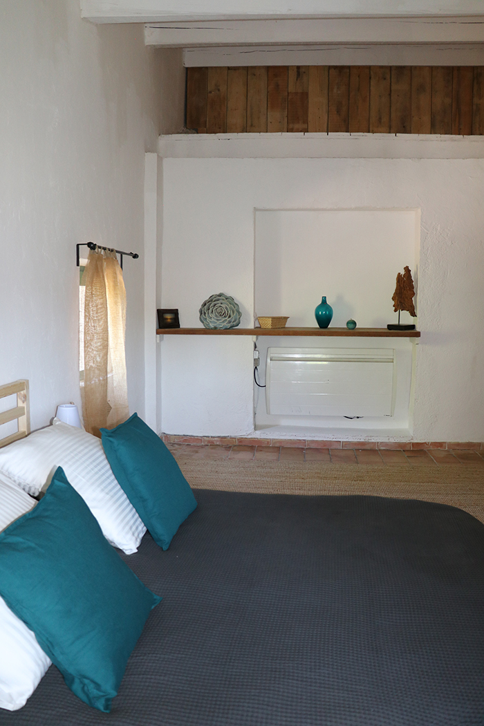 Réservez votre séjour à l'Auberge d'Eva. Chambre d'hôtes à proximité du centre de Saint-Tropez, le marché, les boutiques et les plages...
